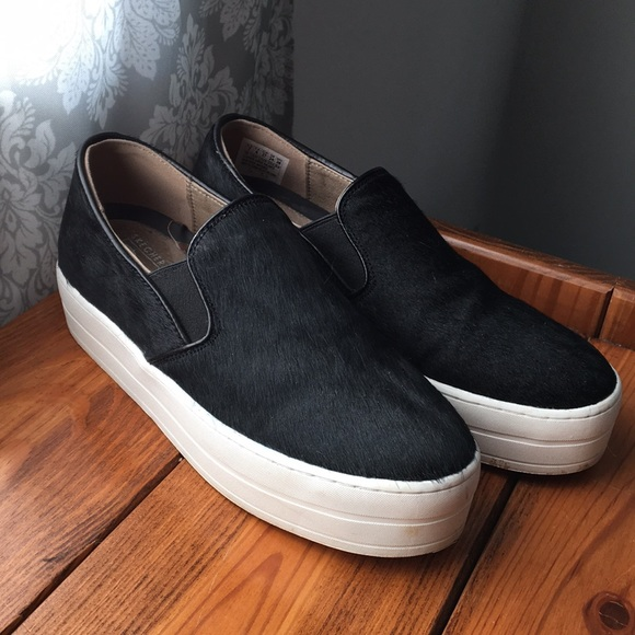 045979f99f0 Black Fury Skechers Platform Shoes. M 5a4654ff00450f57dc10e67f